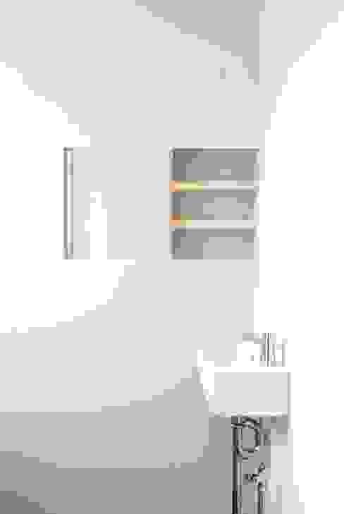 Modern Bathroom by 株式会社PLUS CASA Modern