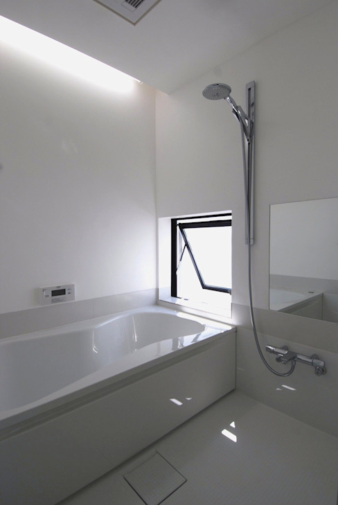 Phòng tắm phong cách hiện đại bởi 株式会社PLUS CASA Hiện đại
