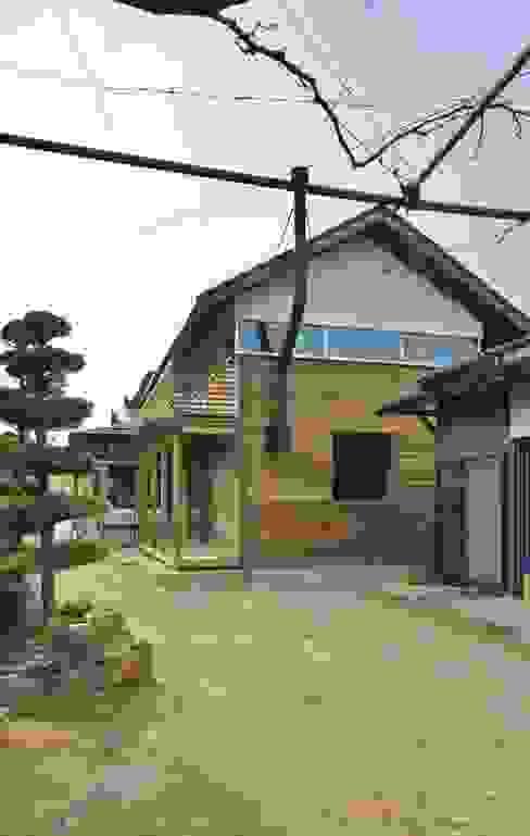 Casas de estilo  por 一級建築士事務所オブデザイン, Moderno