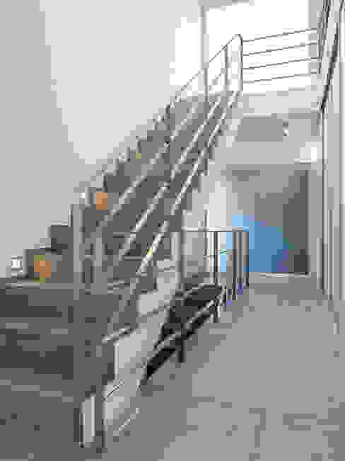 Skandella Architektur Innenarchitektur Couloir, entrée, escaliers minimalistes