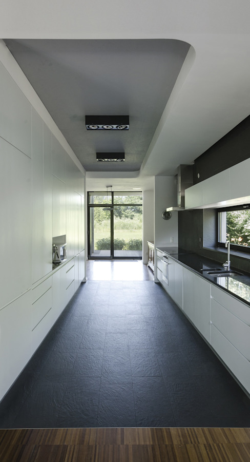 PAWEL LIS ARCHITEKCI Кухня в стиле модерн