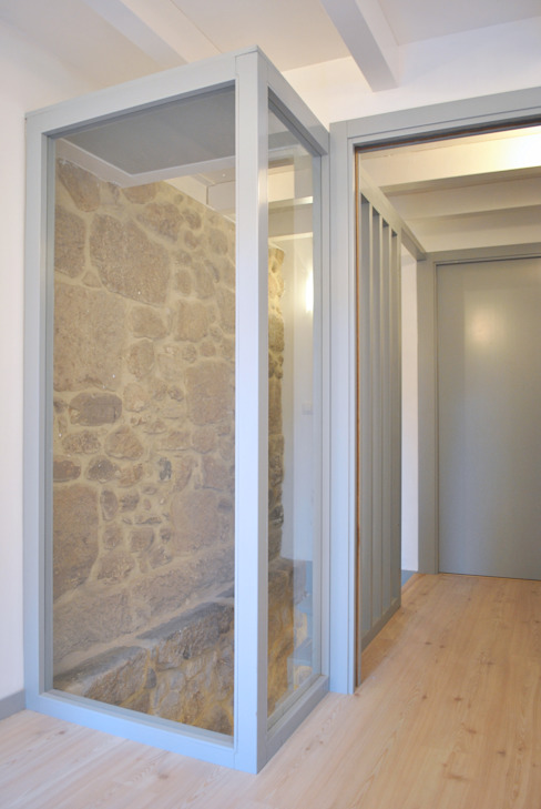Pasillos y recibidores de estilo  por Estudio de Arquitectura Sra.Farnsworth