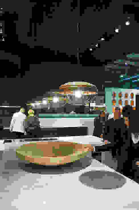Twisted Bowl Poliform stand Salone Del Mobile 2012 Moderne gastronomie van Studio Erwin Zwiers Modern