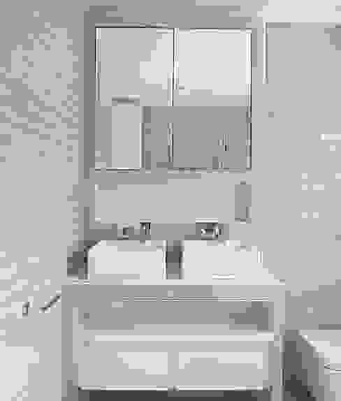 102 Harley Street Modern bathroom by Sonnemann Toon Architects Modern