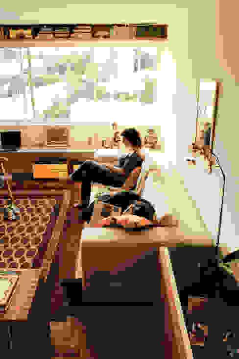 Salas / recibidores de estilo  por ODVO Arquitetura e Urbanismo,