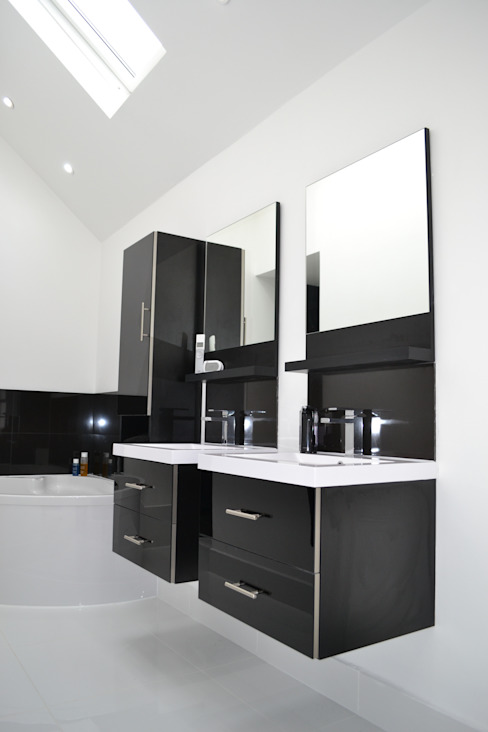 En-suite To Main Bathroom - As Built Modern Bathroom by Arc 3 Architects & Chartered Surveyors Modern
