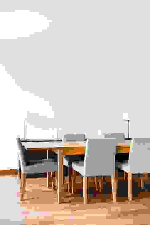 Salas de jantar  por Hélène de Tassigny, Clássico