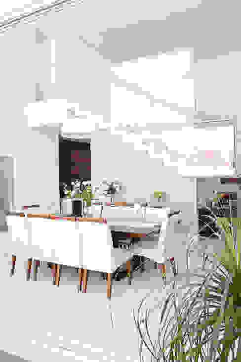 Sala de Jantar Salas de jantar modernas por HAUS Moderno