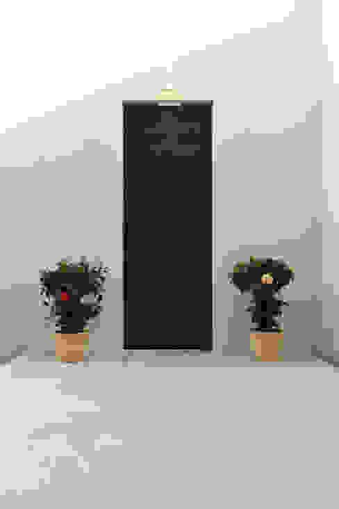 Balcone, Veranda & Terrazza in stile moderno di アーキシップス古前建築設計事務所 Moderno