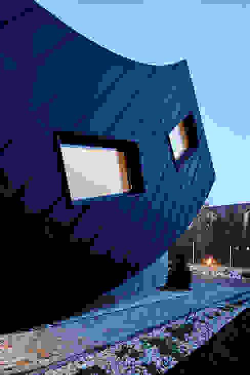 Domo Dom: styl , w kategorii Domy zaprojektowany przez ARCHITEKT.LEMANSKI,Minimalistyczny