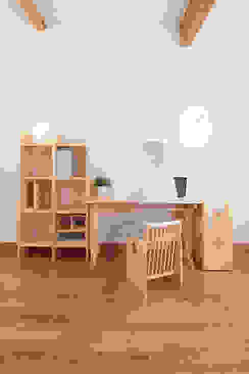 modern  by tona BY RIKA KAWATO / tonaデザイン事務所, Modern