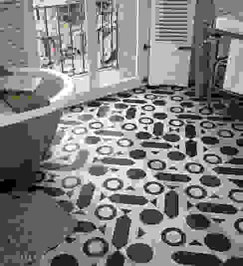 Salle de bains de style  par Equipe Ceramicas, Éclectique