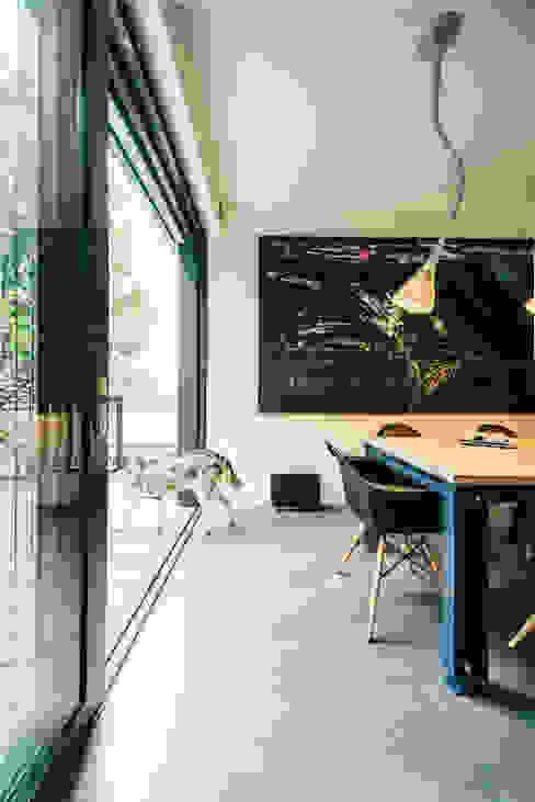 house of architects_6_arc2 ArC2 Fabryka Projektowa sp.z o.o. Minimalistische eetkamers