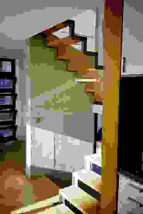 Gang en hal door w3-architekten Gerhard Lallinger, Modern