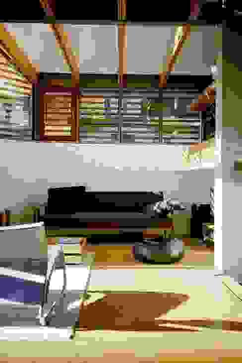 Woonkamer door w3-architekten Gerhard Lallinger, Modern
