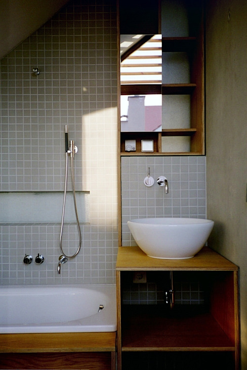 Badkamer door w3-architekten Gerhard Lallinger, Modern