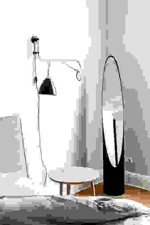 Dom pod Berlinem: styl , w kategorii  zaprojektowany przez Loft Kolasiński,Skandynawski Matal