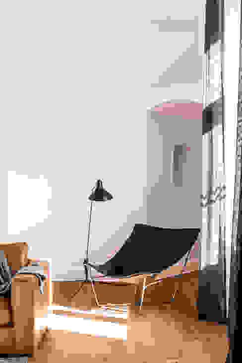 scandinavian  by Loft Kolasiński, Scandinavian Leather Grey