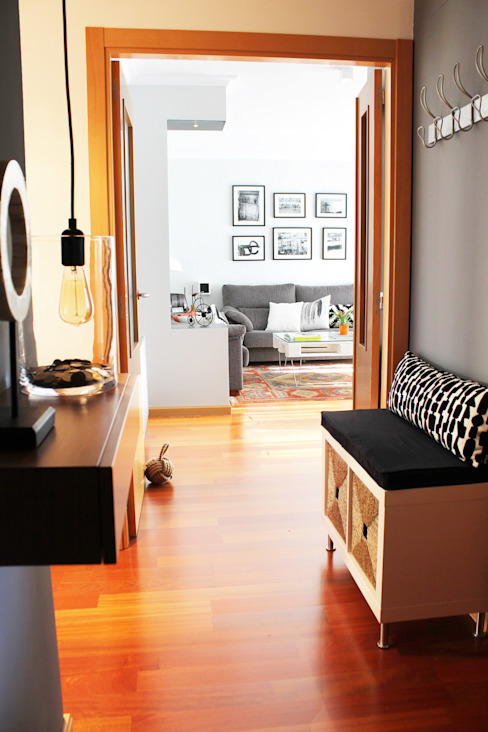 Eclectic style corridor, hallway & stairs by itta estudio Eclectic
