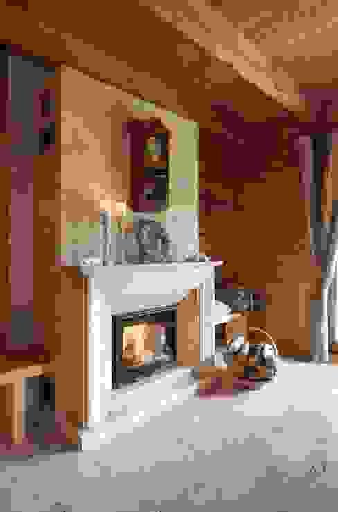 W świerkowych ścianach: styl , w kategorii Salon zaprojektowany przez Pracownia Projektowa Poco Design,Rustykalny