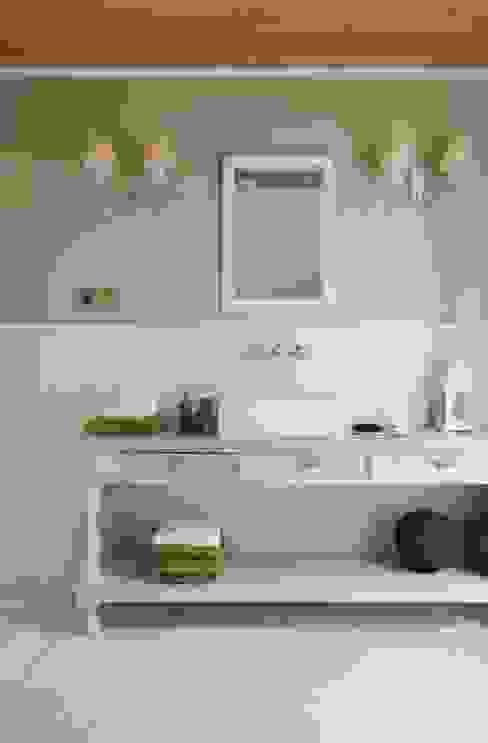 Classic style bathroom by Pracownia Projektowa Poco Design Classic