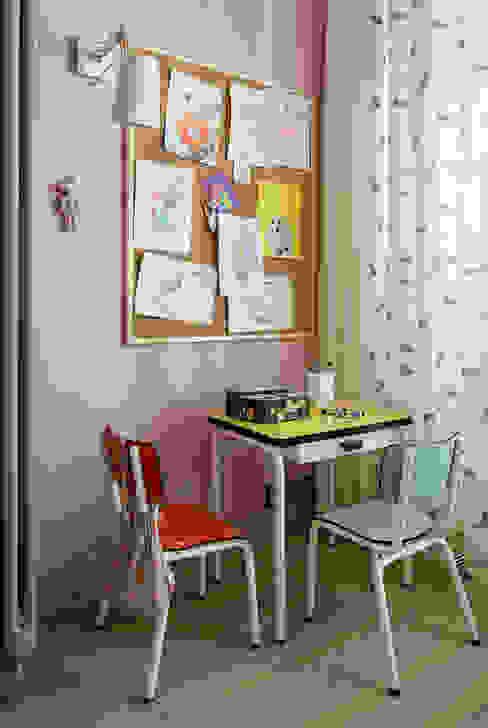 Ażur w Pastelach Eklektyczny pokój dziecięcy od Pracownia Projektowa Poco Design Eklektyczny