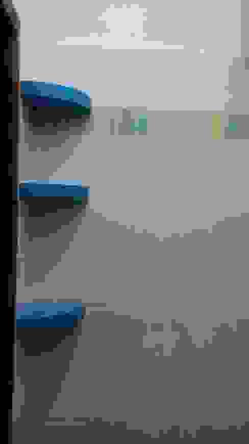 Roberta Rose BathroomShelves