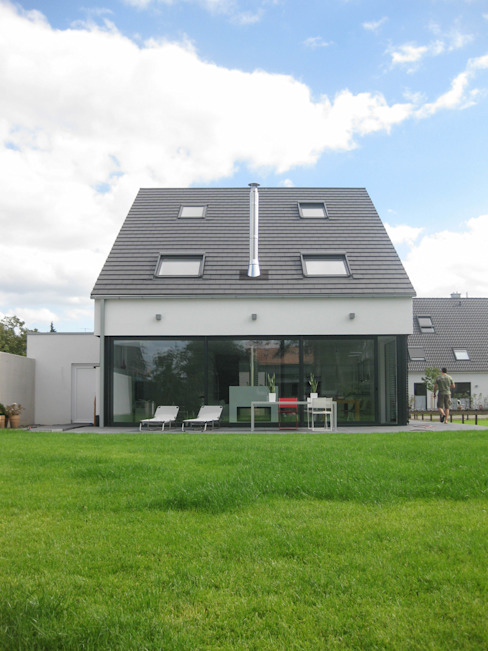Houses by STRICK  Architekten + Ingenieure