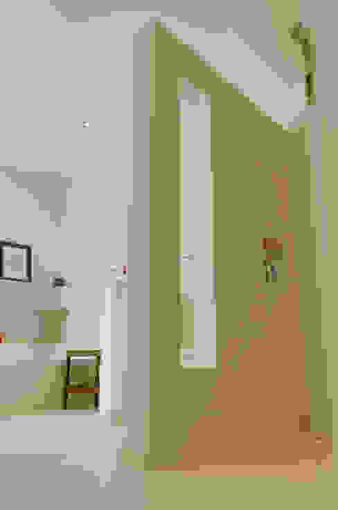 Moderne badkamers van STRICK Architekten + Ingenieure Modern