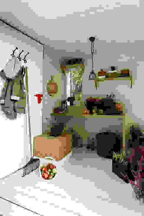 Scandinavian style garden by Grupa Bio3 Scandinavian