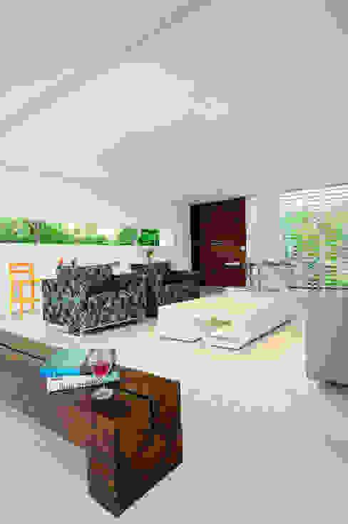 Casa Carqueija Salas de estar modernas por dantasbento | Arquitetura + Design Moderno