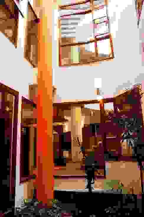 ANWAR SALEEM RESIDENCE Modern living room by Muraliarchitects Modern