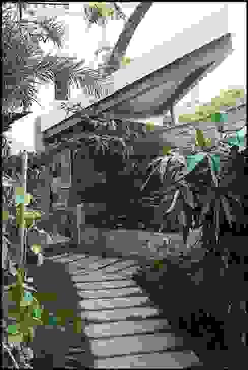 Muraliarchitects Modern style gardens