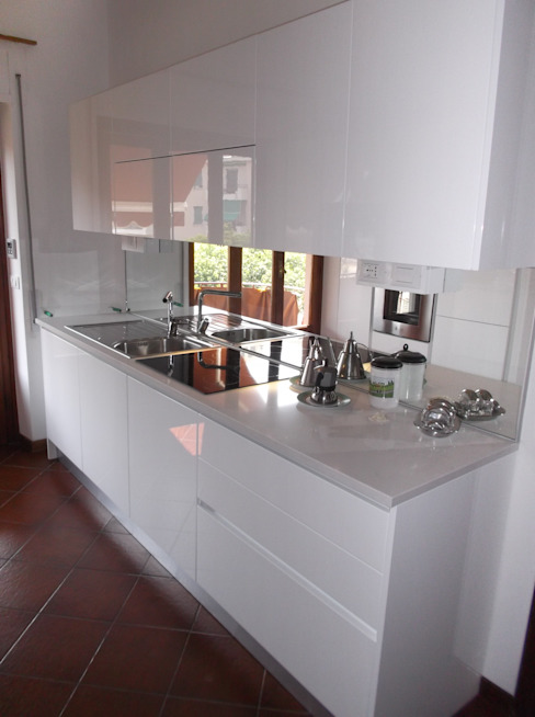 Idea d' Interni Arredamenti Modern kitchen