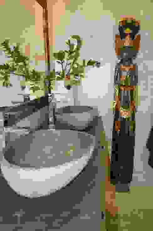 Aranżacja Egzotyczna łazienka od Industone Egzotyczny