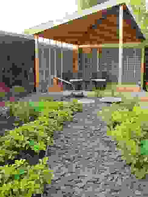 Сады в . Автор – Katherine Roper Landscape & Garden Design