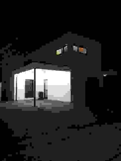 LIEHT – Die Lichtmanufaktur의  차고,