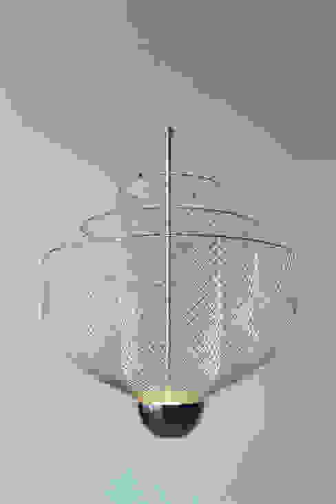 Meshmatics Chandelier van Atelier Rick Tegelaar Industrieel