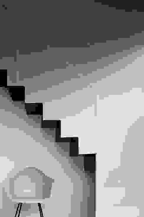 Flur, Diele & Treppenhaus von RCage,