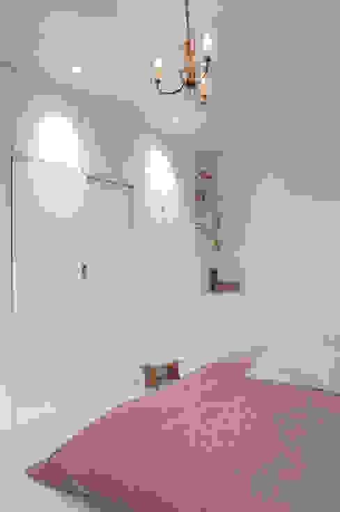 Bedroom by phdvarvhitecture,