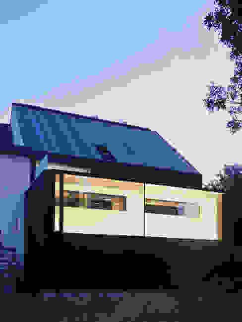 M&J house, Vossem Minimalist houses by bruno vanbesien architects Minimalist