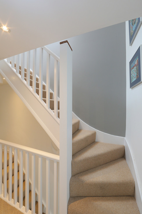 ​dormer loft conversion wandsworth Modern Corridor, Hallway and Staircase by homify Modern