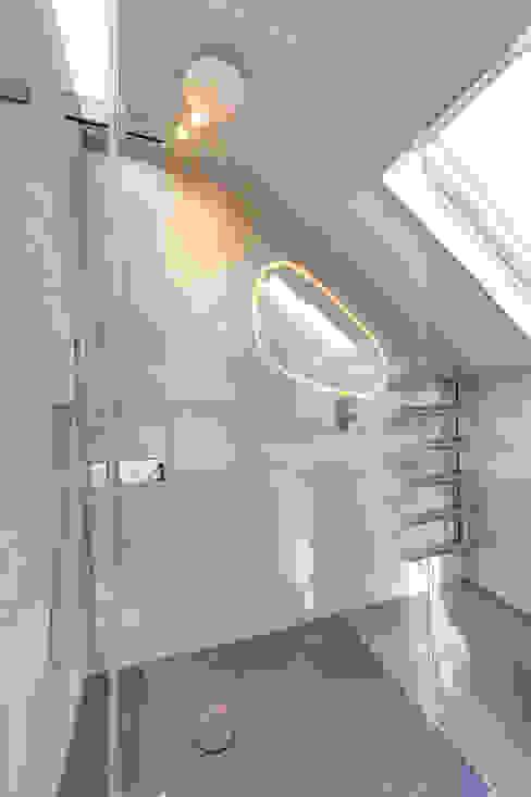l-shaped dormer loft conversion wandsworth Modern bathroom by homify Modern