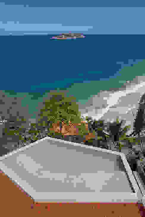 Piscina Piscinas modernas por House in Rio Moderno