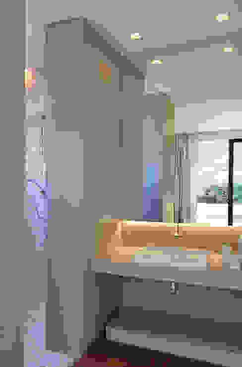Banho suite Banheiros modernos por House in Rio Moderno