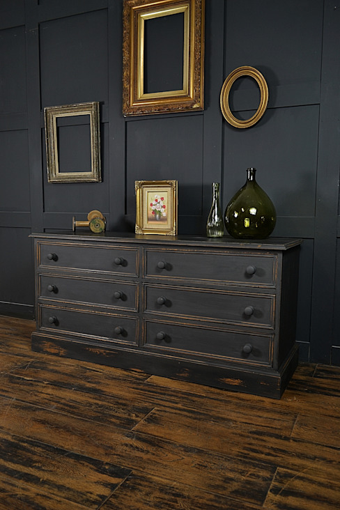 Black Low Level Shabby Chic Chest of Drawers par The Treasure Trove Shabby Chic & Vintage Furniture Rustique