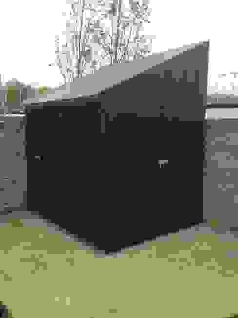 Commercial storage unit Garajes de estilo moderno de Modular105.co.uk Moderno