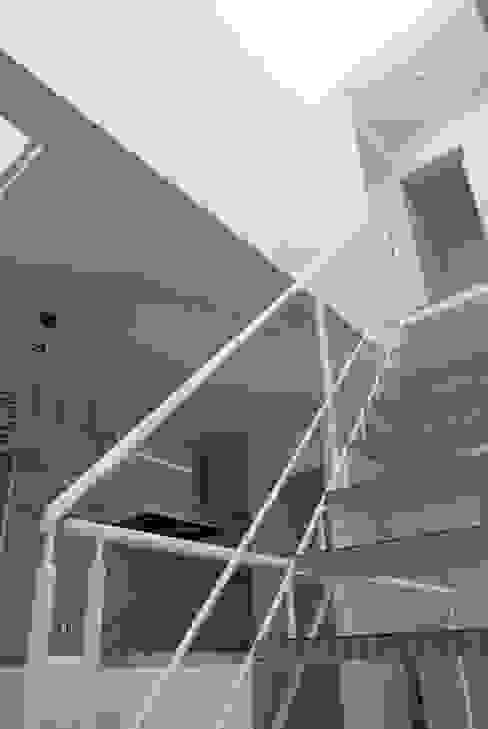 Flur & Diele von SOCIUS一級建築士事務所,