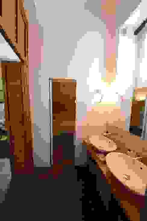 La sala da bagno Bagno in stile classico di Studio Fori Classico