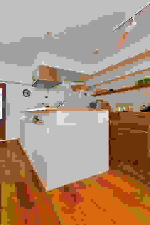 Modern kitchen by 株式会社スタイル工房 Modern